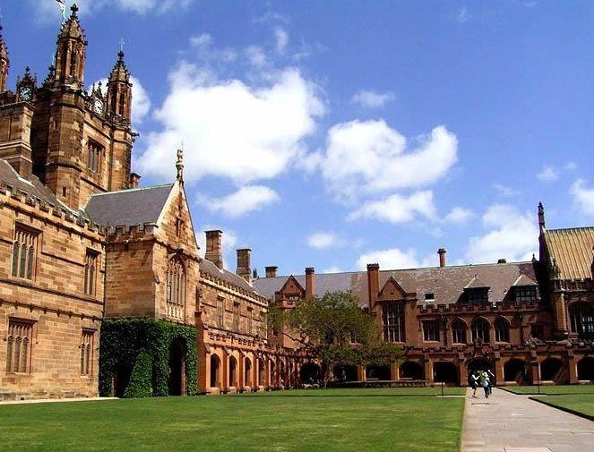 加拿大留学? 社工专业最好的大学排名发布啦!